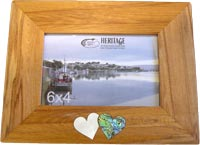 Rimu Hearts 6 x 4 Photo Frame has Paua heart an Mother of Pearl Heart inlaid into the wood under the photo